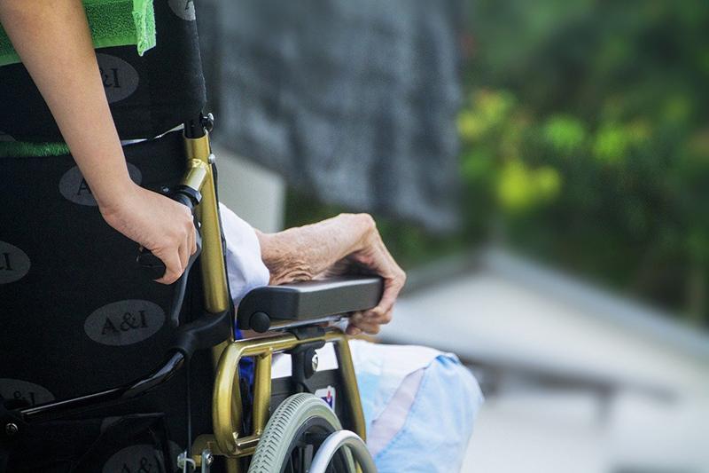 Aprire Centro assistenza domiciliare anziani